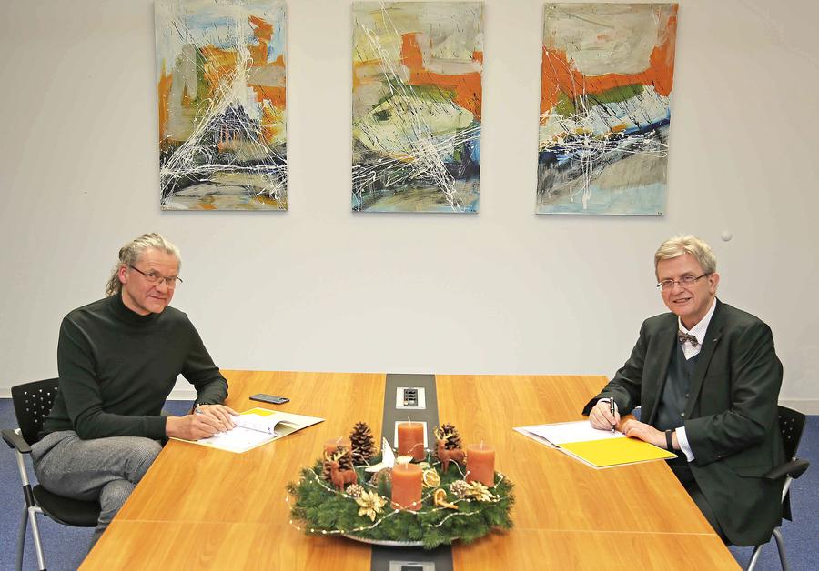Foto: Andrea Pape v.l.) Dirk Bartens, Gesellschafter I2KT GmbH & Co.KG; Dr. Michael Wandersleb, Vorstandsvorsitzender der KITU und KID-Geschäftsführer